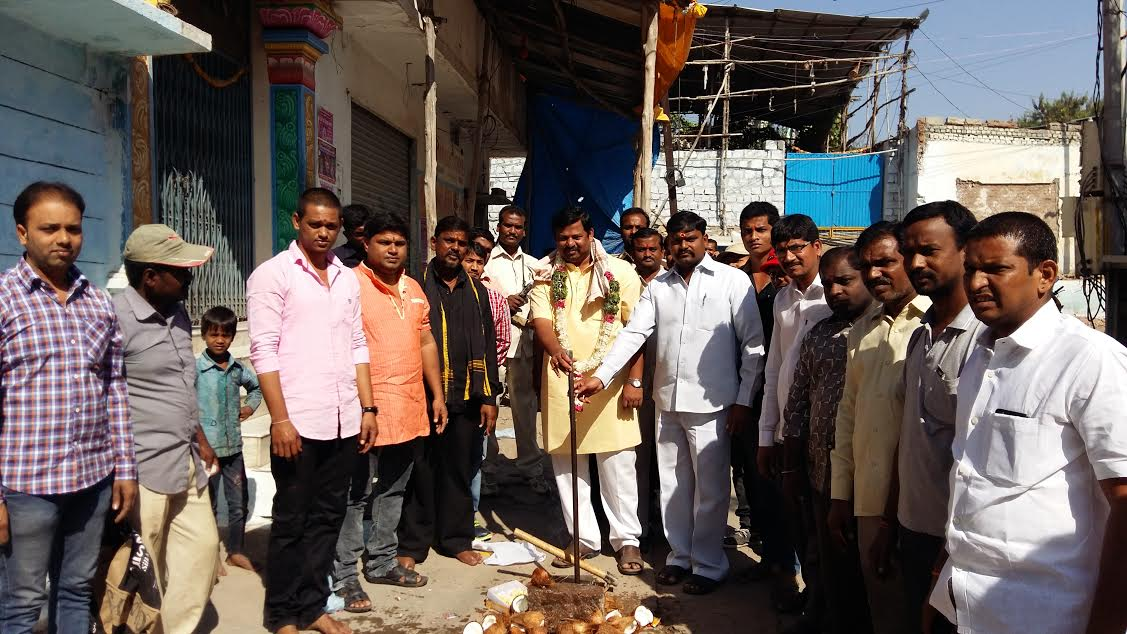 Inaugurated drinking water pipeline works worth of 14 Lakh near Thakurwadi Bhavan, Jummerat Bazar